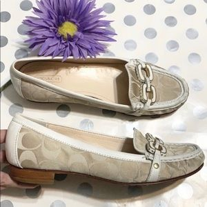 JUST IN! COACH SIGNATURE LOAFERS